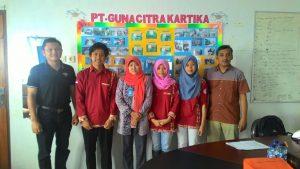 Dr Nurhidajah dan Tim PKL Teknologi Pangan UNIMUS dan PT Guna Citra Kartika